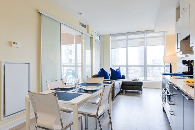 Sapphire_Suite_Furnished_Apartments_Toronto